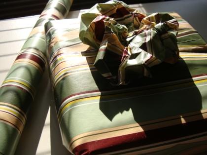 Embalagem pra presente com Flor de Papel